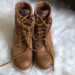 Women's timberland boots size 7.5